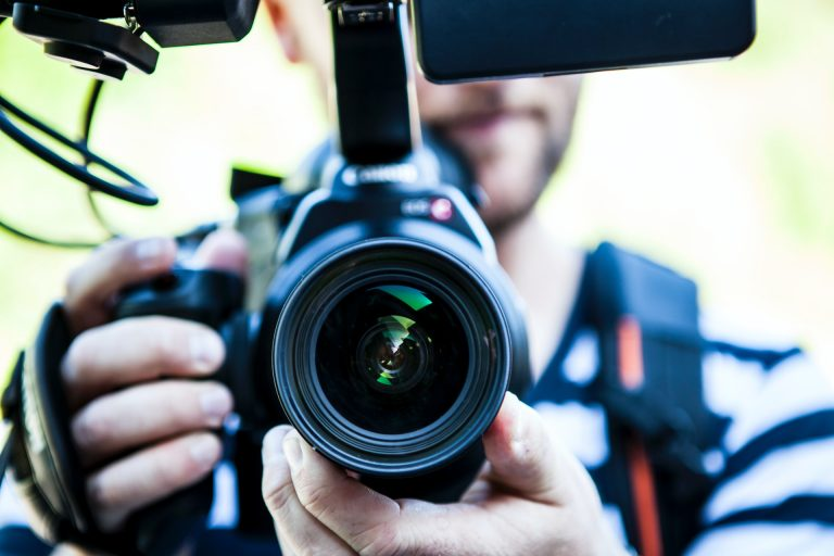 5 Reasons Why You Should Start a Video Blog