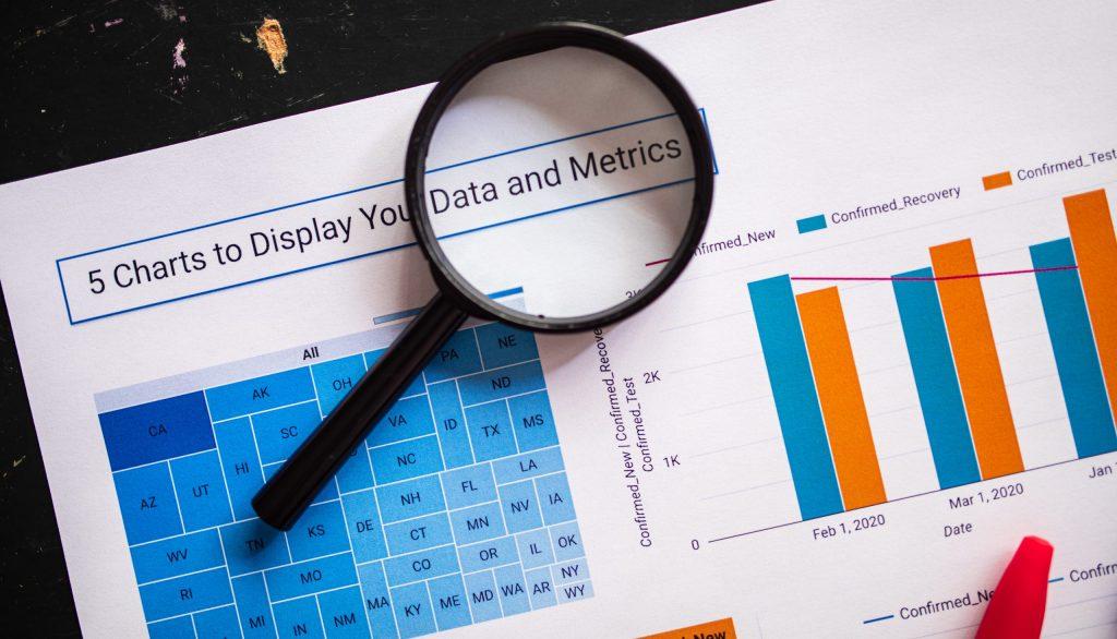 Lens display business market